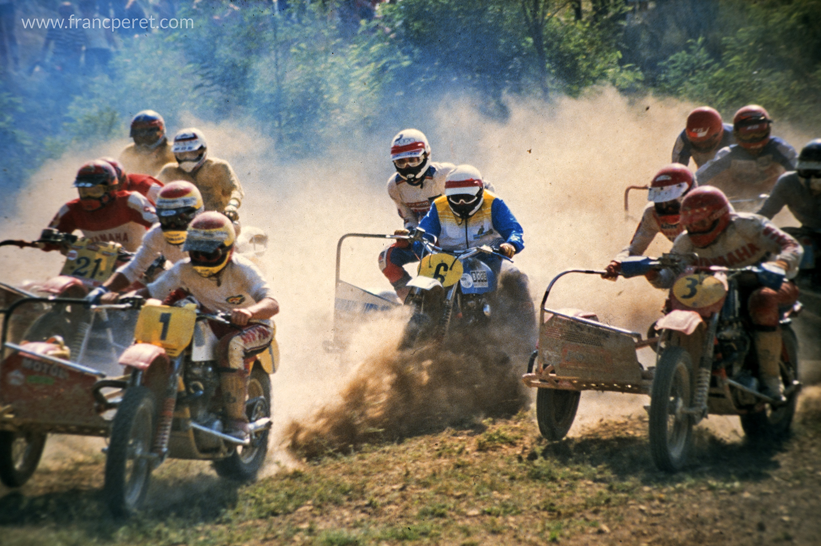 Start was both the most exciting and risky moment with 30 side-car packed together willing to reach the first corner in front of everyone else.