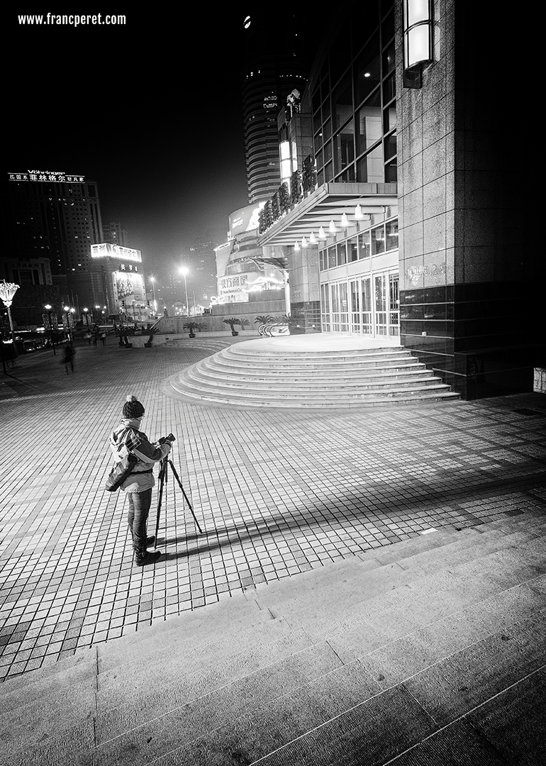Modern city landscape are filled with lines, shape and  loads of interesting element in B&W.
