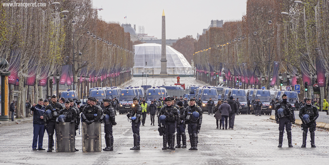 welcome team. More than 8900 police forces were controlling Paris